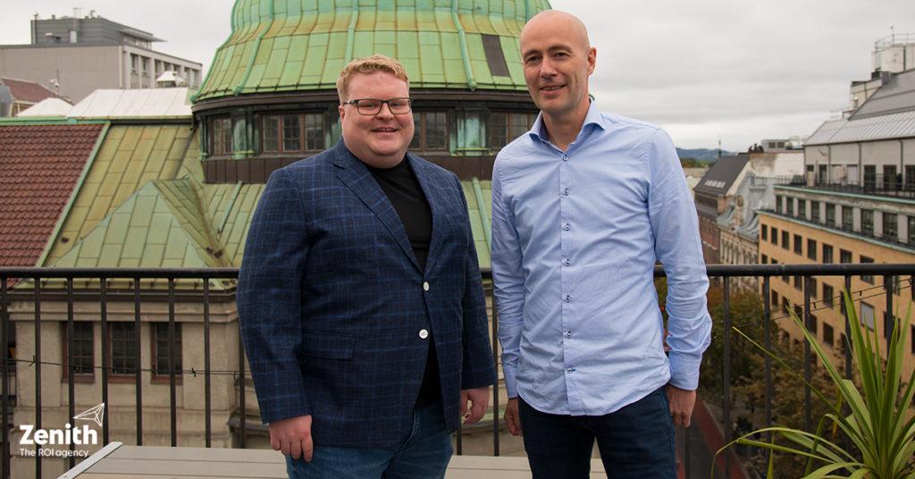 Velkommen til Publicis og Zenith: Joakim Bentsen (nyansatt) og Jan Johnsen (leder for Drive) avbildet på takterrassen