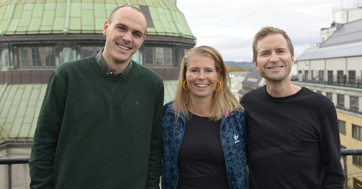 Martin Grøndahl (deputy managing director Zenith Norge), Camilla Halleraker (ny byråleder Zenith Norge), Peder Mittet (CEO Publicis Norge) avbildet på takterrassen